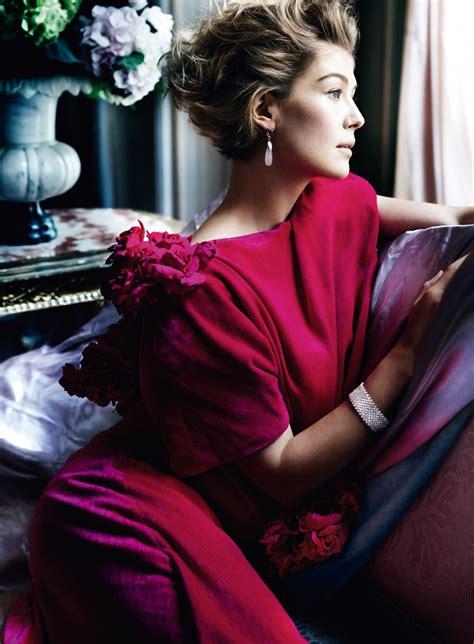 rosamund pike photoshoot  vanity fair magazine