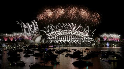 sydney opera house new year australia new zealand welcome new year 2016 with