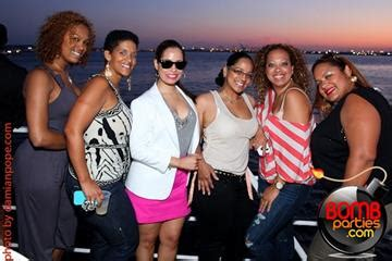Kaos Yacht Club Black the summer splashoff3 after work yacht harbor
