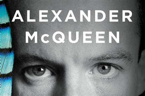 1471131785 alexander mcqueen blood beneath the alexander mcqueen a new life of the controversial