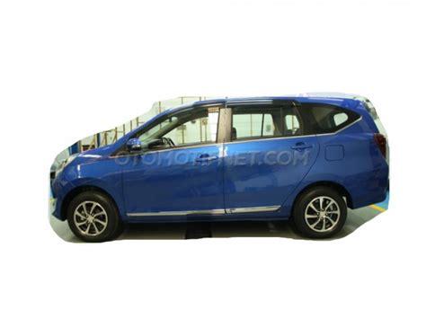 Bantal Daihatsu Sigra Hitam Putih Ini Dia Daihatsu Sigra R Deluxe Type Tertinggi Sigra