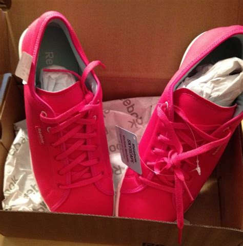 comfortable shoes for walking in nyc hot pink reebok skyscape shoes perfect for nyc walking