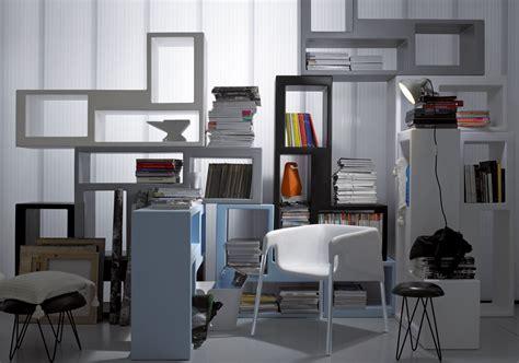 librerie salotto mini librerie salvaspazio a parete o in mezzo alla stanza