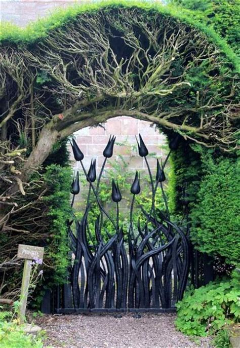 awesome fairy tale garden gates   klykercom