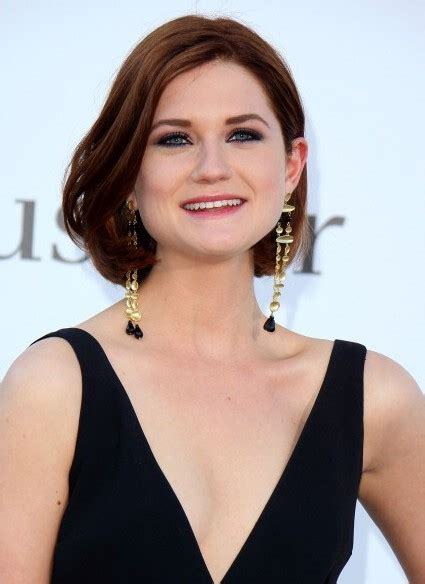 evening looks bob hairstyle bonnie wright short wavy bob hairstyle for thick hair