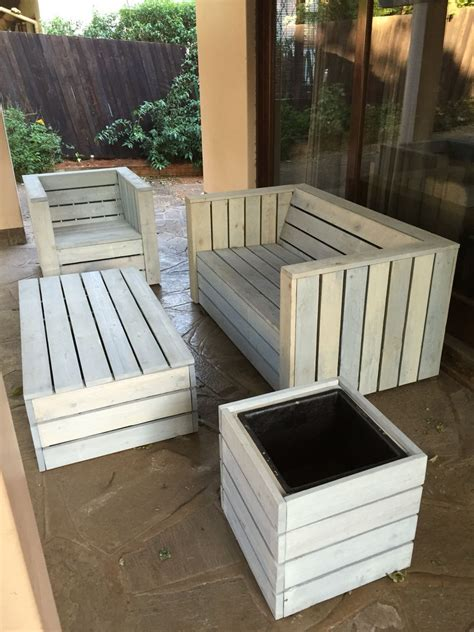 pallet wood patio furniture set how to build a shed out
