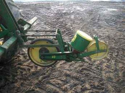 used farm tractors for sale deere 33 veg planter
