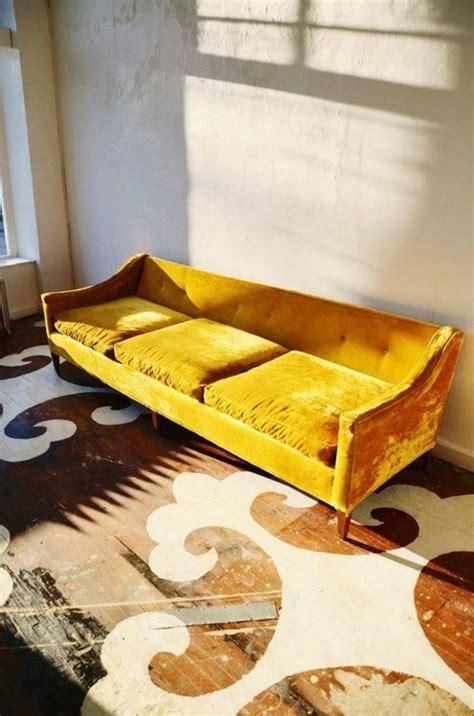 mustard yellow couch 25 best ideas about mustard yellow decor on pinterest