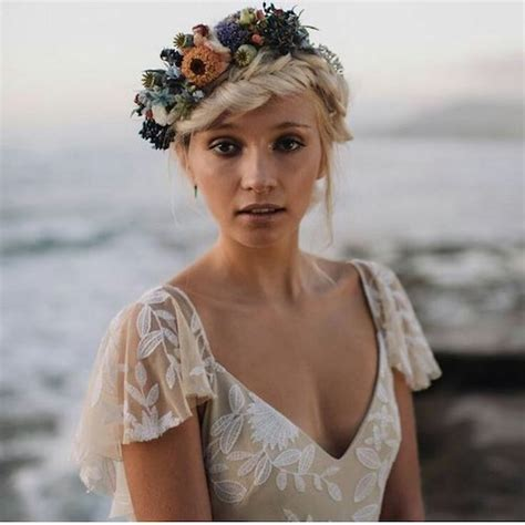 most flattering hairstyle for sagging neck 73 unique wedding hairstyles for different necklines 2017