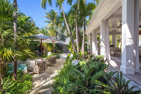 tropical backyard pictures tropical backyard garden craig reynolds landscape architecture hgtv