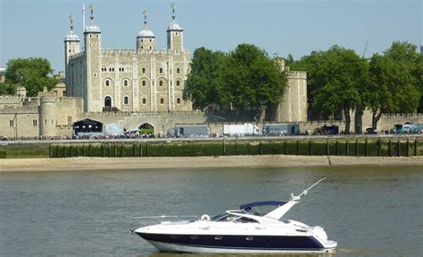 yacht boat hire london river thames private motor yacht hire charter london