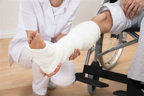 leg injuries common leg injuries caused by car accidents