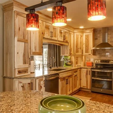 kitchen cabinets hickory 25 best ideas about rustic hickory cabinets on pinterest