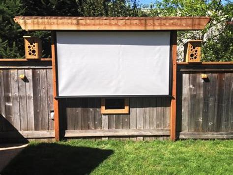 backyard projector screen diy awesome outdoor movie screen ideas for summer paperblog
