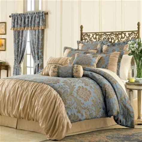 factors to consider when choosing a queen comforter set