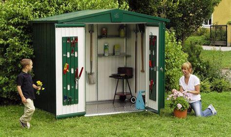 casette di plastica per giardino regole e permessi per la costruzione sicura delle proprie