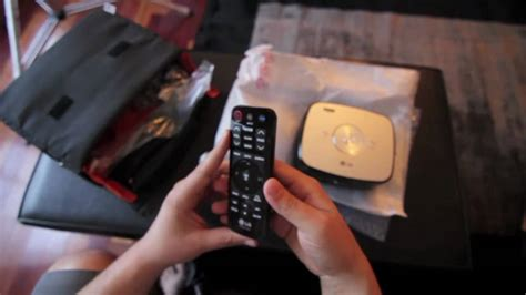 Proyektor Lg Hs200 lg hx300g led projector unboxing