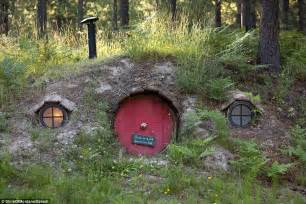 hobbit fans flock to montana guest house to live like 187 how to build a hobbit hole