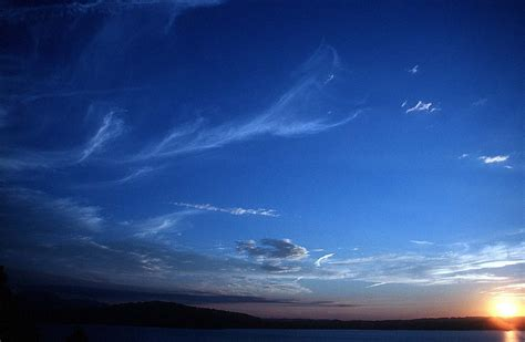 wallpaper langit dan bintang gambar langit malam dengan bintang koleksi gambar hd