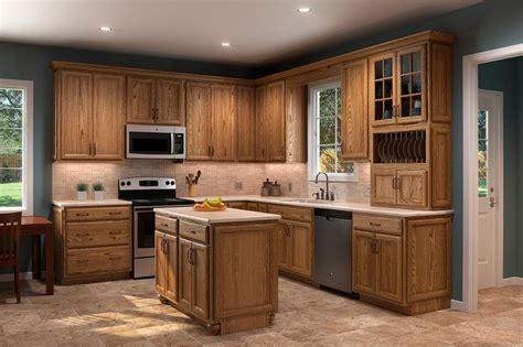 Shenandoah Kitchen Cabinets by 17 Best Images About Oak Cabinets On Hardware Drawers And Honey