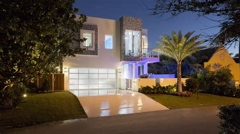 frank mckinneys  florida micro mansion curbed miami