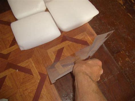 Remove Vinyl Flooring by Best 25 Stick On Tiles Ideas On Kitchen Walls