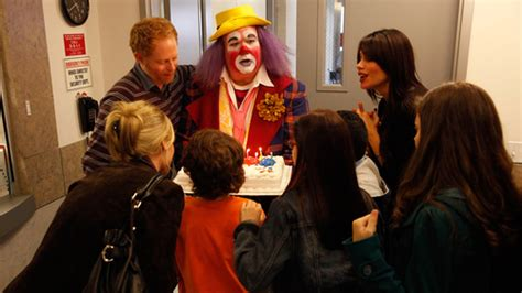saison 1 gt episode 9 fizbo le clown modern family