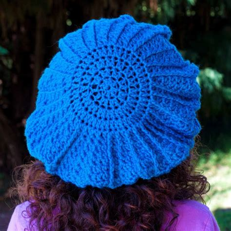 pattern crochet francais paris holds the key to your heart french beret pattern