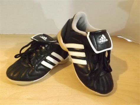 used football shoes soccer shoes cleats childrens size 9 toddler adidas indoor