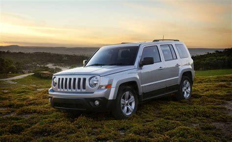 2012 jeep recalls chrysler recalls 620 000 jeeps 187 autoguide news
