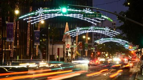 beverly hills christmas lights 13 best places to see christmas lights in los angeles