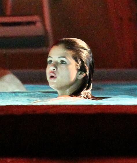 vanessa hudgens bathtub vanessa selena and ashley film a hot tub scene zimbio