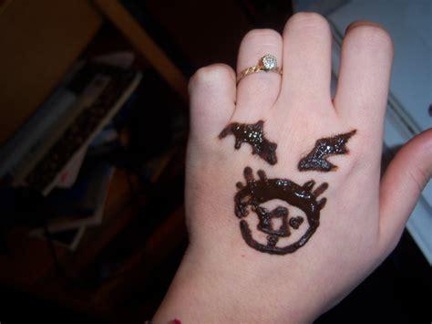 ouroboros tattoo on finger ouroboros tattoo images designs
