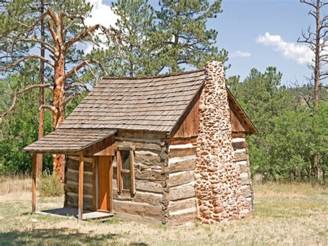 Tiny House Cabin by Log Cabin Tiny House Inside A Small Log Cabins Tinny