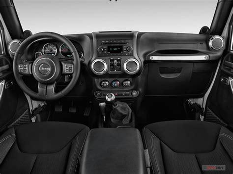 2014 Jeep Wrangler Interior U S News World Report 4 Door Jeep Wrangler Interior