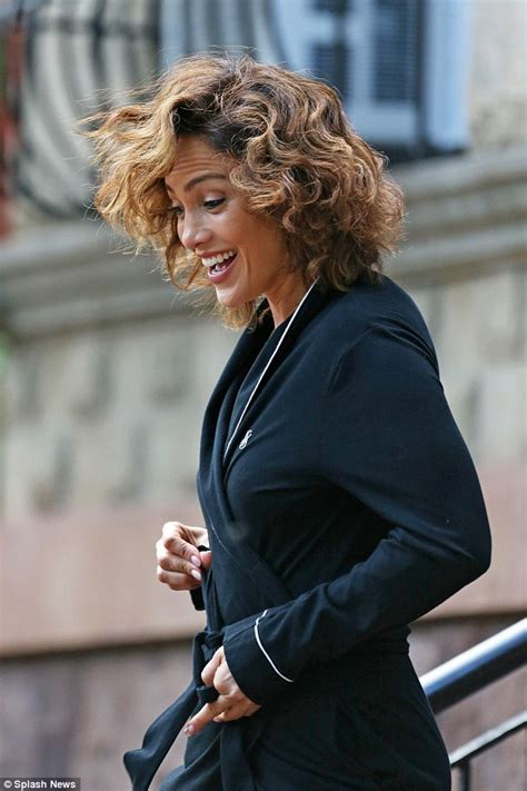 j lo hair new short curly 2014 jennifer lopez lets her curly mane run wild on the set of