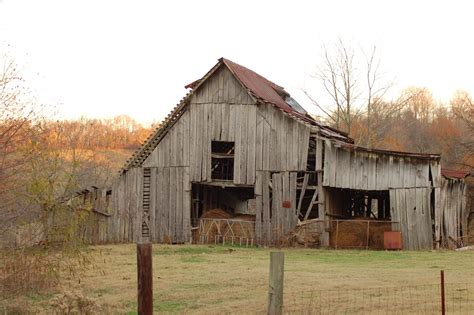 Free Old Country Barn 1 Stock Photo   FreeImages.com