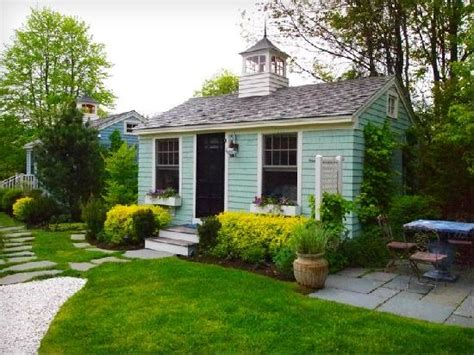 Cottages Kennebunkport Maine by Yard Porch For Relaxing Picture Of The Cottages