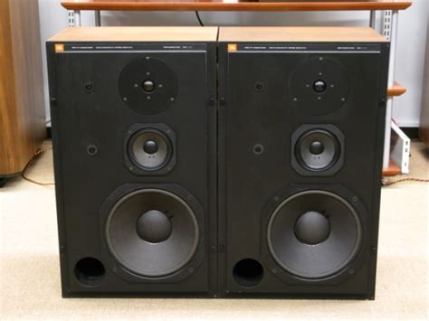 jbl l110 bookshelf speakers review test price
