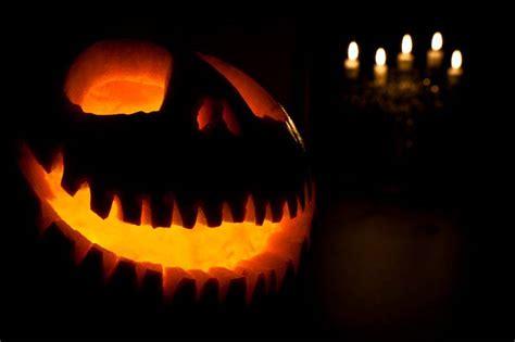 decorare zucche di halloween decorazioni con le zucche di halloween per festeggiare