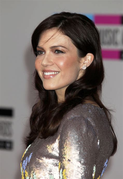 mandy moore music video hairstyles mandy moore photos photos 2010 american music awards