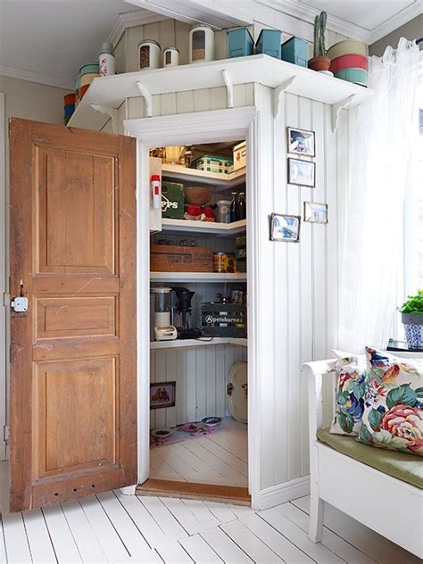 corner kitchen pantry ideas 25 best ideas about corner pantry on homey