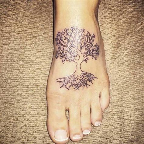 tattoo ideen  ideen fuer lebensbaum tattoo tattoos