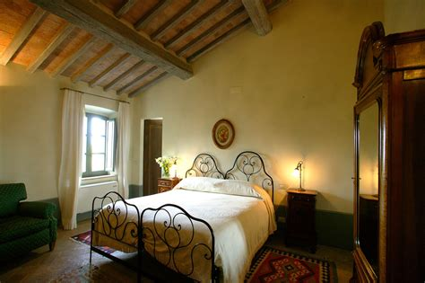tuscan bedrooms    tuscan style