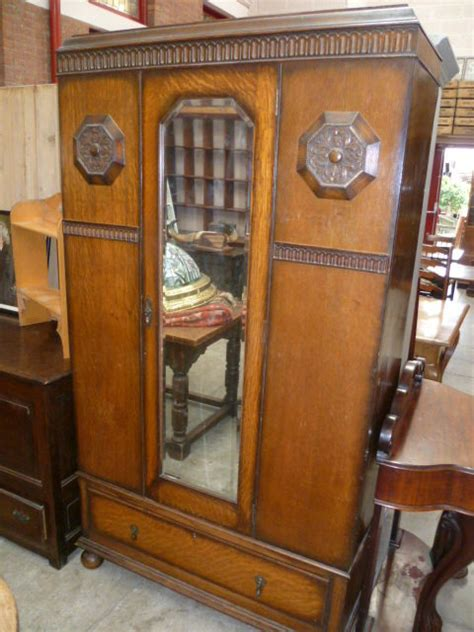 1930s Wardrobe by 1930s Oak Wardrobe Antiques Atlas