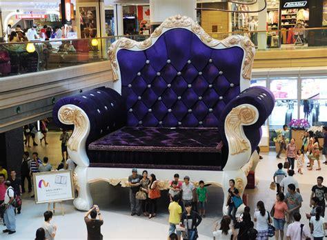 worlds largest couch masm el sof 225 m 225 s grande del mundo