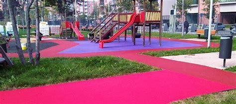 pavimenti per parco giochi pavimenti antitrauma di protezione per esterni
