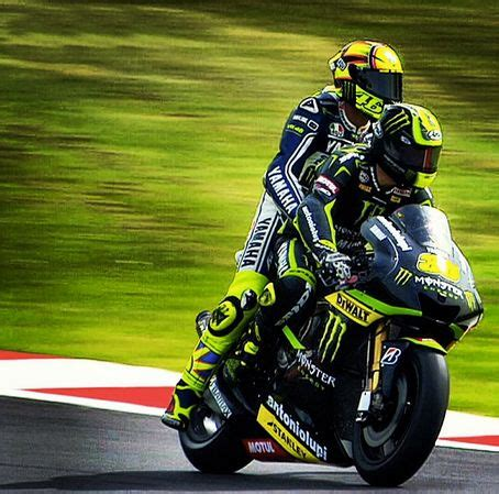 Kaos Valentino The Goat Valentino Vale 29 293 best images about valentino 46 on martin and the podium