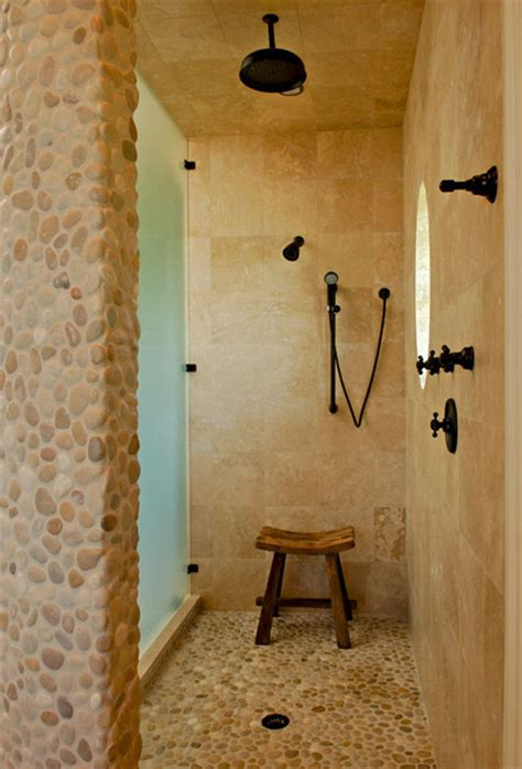 doccia tropicale pebble texture and master shower tropical