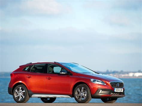 volvo  cross country red wallpaper